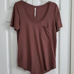 Aritzia Babaton Sami T-Shirt Small